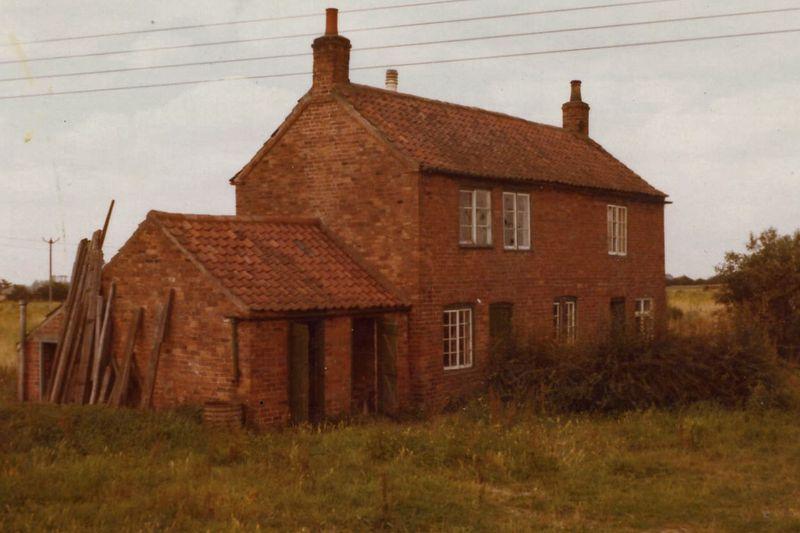 Original cottage photo0014a